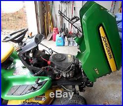 2007 John Deere X304 Lawn Garden Tractor Mower with Seed Spreader Sweeper & Cart