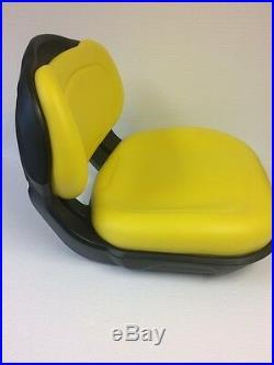 AM136044/AUC11188 seat John Deere X300 X300R X304 X310 X320 X324 X340 X360 X500