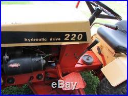 Case 220 lawn & garden tractor / mower with deck