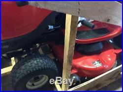 JONSERED YT46 Lawn & Garden Tractor Mower 46 22HP Briggs & Stratton