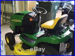 John Deere L108 Riding Lawn mower with bagging system