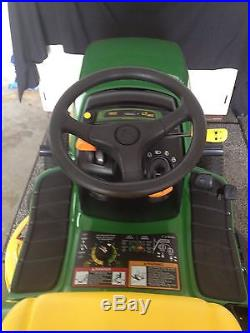 John Deere LT 160 Garden Tractor/Lawn Mower