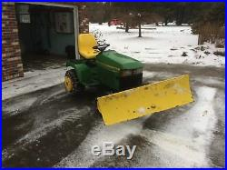 John Deere model 425 lawn tractor