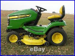 John Deere x320 Lawn Tractor